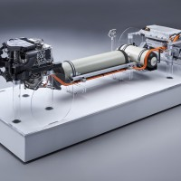 BMW prepares its first hydrogen production models
